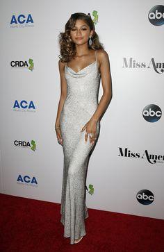 Zendaya Silver Sequin Evening Prom Celebrity Dress 2016 Miss America celebrity dresses Zendaya Outfits, Zendaya Style, Mode Outfits, Zendaya Dress, Moda Zendaya, Estilo Zendaya, Red Carpet Dresses, Ball Dresses, Prom Dresses
