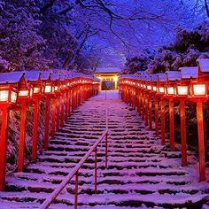 貴船神社雪景色 Kifune-Jinja Shrine, Kyoto, Japan by Yasuhiro Imamiya Japon Tokyo, Kyoto Japan, Nagoya, Japan Beach, Japan Info, Japanese Lifestyle, Japanese Landscape, Japanese Gardens, Japan Travel Guide
