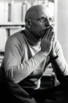 Philosopher Michel Foucault, by Roland Allard 1977 Writers And Poets, Etat Civil, Critical Theory, Great Thinkers, James Joyce, Book Writer, Influential People, Oscar Wilde, Portraits