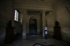 Bibliothèque de l'Arsenal Monuments, Arsenal, France, Home Decor, Breezeway, Gym, City Office, Decoration Home, Room Decor