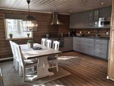 Kitchen Interior, Interior Design Living Room, Rustic Kitchen, Kitchen Decor, Garage To Living Space, Swedish Decor, Cabin Kitchens, Log Cabin Homes, Cabin Interiors