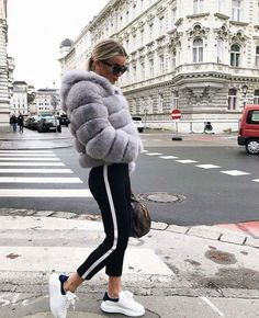 Sport chic style outfits fitness apparel 27 Ideas for 2019 Sport Chic, Sporty Chic Style, Sport Style, Chic Chic, Sporty Outfits, Mode Outfits, Fashion Outfits, Womens Fashion, Jackets Fashion