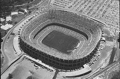Estadio Azteca, al sur de la Ciudad de México. Foto tomada probablemente durante la década de los 50's.
