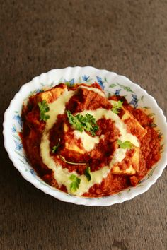 Paneer butter masala also called as butter paneer is a very famous paneer dish which is rich and creamy and can be served with chapati, roti or… Butter Masala Recipe, Butter Paneer, Easy To Make Snacks, Food To Make, Indian Snacks, Indian Food Recipes, Vegetarian Cooking, Vegetarian Recipes, Paneer Dishes