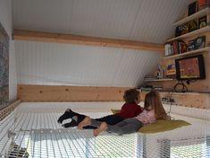 Filet d'intérieur d'habitation sur mesure avec Feelnets en France Awesome Bedrooms, Cool Rooms, Dream Home Design, House Design, Indoor Hammock, Build Your Own House, Trampolines, I Coming Home, Dream Rooms