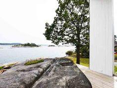 Driv Arkitekter | Bolig Sandefjord Sidewalk, Villa, Sidewalks, Villas, Pavement, Walkways