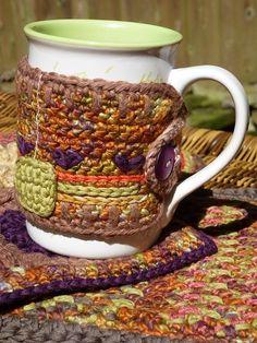 Mug Cozy. Free pattern-The Cutest Coffee Sleeve Cozies