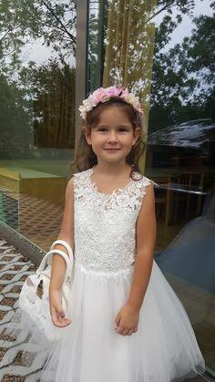 Girls Dresses, Flower Girl Dresses, Cute Young Girl, Wedding Dresses, Fashion, Dresses Of Girls, Bride Dresses, Moda, Bridal Gowns