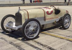 Duesenberg 1929 Indy racer.