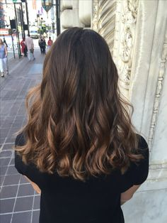 bruin haar trend and beautiful hair color for 2020 Decor Brown Hair Balayage, Brown Blonde Hair, Hair Color Balayage, Brunette Hair, Hair Highlights, Fall Balayage, Ombre Hair, Blonde Balayage, Perfect Hair Color