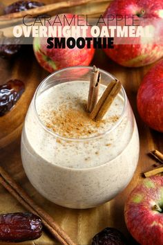 Caramel Apple Overnight Oatmeal Smoothie -- smooth, creamy, and sure to keep you satisfied for hours! This comforting fall-inspired smoothie makes a perfect healthy breakfast or snack! || runningwithspoons.com #vegan #fall #snack #breakfast