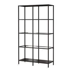 VITTSJÖ Regal IKEA Gehärtetes Glas und Metall sind robuste Materialien, die offen und luftig wirken.
