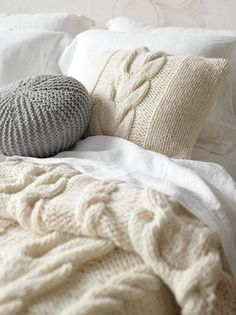 Love the wool cable knit pillow and blanket, and the mixture of creams and whites with a touch of grey. Winter Bedroom, Home Bedroom, Bedroom Decor, Winter Bedding, Bedrooms, Bedroom Ideas, Dream Bedroom, Home Design, Interior Design