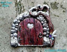 """Fairy Door magnet - Winter  """"Le Creature di Amelia - Antica Madre"""" https://www.facebook.com/Le-Creature-di-Amelia-Antica-Madre-213397572041474/"""