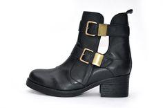 wills zwarte cut out boots 110 euro via chevaliers des pieds