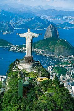 Corcovado in Rio de Janeiro. Tower Bridge, Medium Art, Statue Of Liberty, Travel, Rio De Janeiro, Pictures, Brazil, Social Media, Kunst