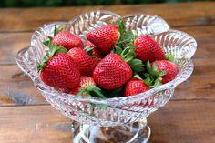 Fresas o frutillas frescas para preparar un pastel