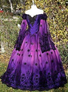 Ombre Gothic Fairy Fantasy Wedding Gown Purple/Pink In Stock Size Medium One of a Kind - I just love absolutely everything about this beautiful dress Mode Renaissance, Renaissance Dresses, Medieval Dress, Renaissance Wedding, Vestidos Vintage, Vintage Gowns, Vintage Outfits, Beautiful Gowns, Beautiful Outfits