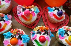 El happy payaso- clown cupcakes - Mytaste.com