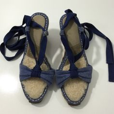 UGG Amelie Espadrille Australia Wedges UGG Amelie Espadrille Australia Wedges  ▪️Size: 7  ▪️Location Sh2  Love To Bundle Fast Shipping Happy to answer questions UGG Shoes Wedges