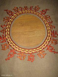 Reconstruction of silk embroidery Osebergskih finds difficult stalk seam. Works Catherine Savelevoj (Velga).