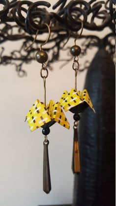 Items similar to Casseroles in paper origami earrings on Etsy Diy Origami, Origami And Quilling, Origami And Kirigami, Origami Jewelry, Origami Tutorial, Paper Jewelry, Paper Beads, Diy Jewelry, Jewelery