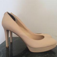 [Ivanka Trump] Kimo Platform Pump Size 10 Ivanka Trump Kimo Platform Pump. Color nude.  Size 10. Gently worn. Minimal Wear. Ivanka Trump Shoes Heels