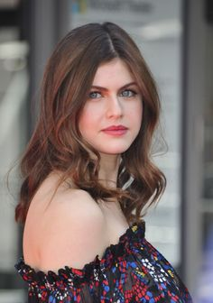 Celebrities - Alexandra Daddario Photos collection You can visit our site to see other photos. Most Beautiful Hollywood Actress, Beautiful Actresses, Beautiful Girl Image, Beautiful Eyes, Alexandra Anna Daddario, Matthew Daddario, Le Jolie, Beautiful Celebrities, Hollywood Actresses