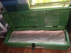 CW (Green) Arrow Oliver's Island Crate. Cosplay, replica, props.