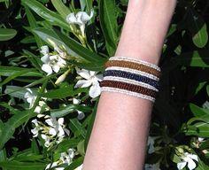Flexibele Kraaltjes armband Ibiza stijl WIT GOUD BRUIN ANTRACIET /OLIE kleur - Flexible Beaded bracelet Ibiza fashion style WHITE GOLD BROWN  OIL color
