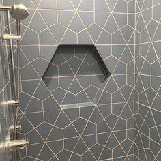 This #shower is just BEGGING to be used! Gorgeous #design by @oreillytiledesign using #tiles from @fireclaytile! Happy Saturday everyone! // #archilovers #architettura #bathroomdesign #designhounds #designinterior #designinspiration #designdeinteriores #homeinterior #homedesign #instadecor #interiordesign #interiors #interiorinspo #geometric #idcdesigners #pattern #tileometry #tiles #tiled #tiledesign #tilelove #tilestyle #tileaddiction #ihavethisthingwithtiles