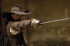 Capitan Alatriste - the most expensive production in the history of spanish cinema Okinawa, Karate, Character Concept, Character Design, 17th Century Clothing, Renaissance, Fighting Poses, Medieval, Favorite Movie Quotes