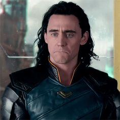 Tom Hiddleston. #ThorRagnarok  Via Twitter.