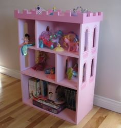 Castle Themed Bookcase at www.toyboxplan.com