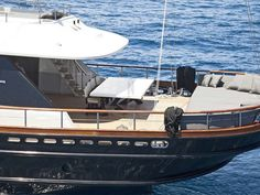 INFINITY | CNL Yacht