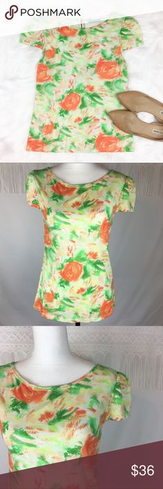 Alice + Olivia Floral Watercolor Top Alice + Olivia floral watercolor top. Size large but by measurements it fits like a small/medium! Measurements are 24 1/2' long & 16' bust. GUC with no major flaws. ❌No trades ❌ Modeling ❌No PayPal or off Posh transactions ❤️ I 💕Bundles ❤️Reasonable Offers PLEASE ❤️ Alice & Olivia Tops Tees - Short Sleeve