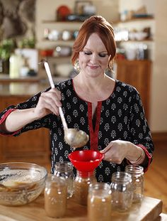 A brand new episode of Pioneer Woman starts on Food Network this morning at 10 Eastern/9 Central! I had fun shooting this show, as it's all about bulk grocery shopping...and all the great recipes I can make from a few central ingredients!