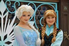 ANNA AND ELSA HONG KONG DISNEY