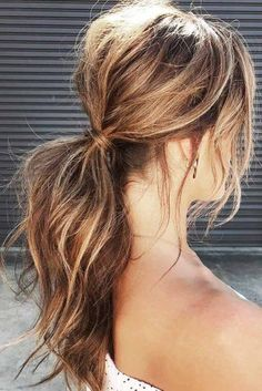 The Best Way to Quickly Tame Hair - Collect Them in the Pony Cute Hairstyles For Medium Hair, Up Dos For Medium Hair, Easy Hairstyles For Medium Hair, Hairstyles With Bangs, Cool Hairstyles, Casual Updos For Medium Hair, Messy Ponytail Hairstyles, Curly Hair Styles, Hair Styles 2016