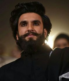 Can We Talk About How Unfairly Good Ranveer Singh Looks With Kajal? - New Site Hairstyles For Gowns, Mens Hairstyles With Beard, Hair And Beard Styles, Haircuts For Men, Hair Styles, Beard Styles For Men, Short Haircuts, Short Hairstyles, Ranveer Singh Padmavati