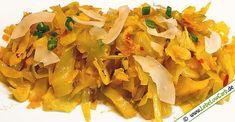 Ein einfaches, schnelles und leckeres vegetarisches Low Carb Rezept für eine indisch angehauchte Weißkohlpfanne mit Kurkuma und Kreuzkümmel ... #lowcarb Mehr vegetarische Low Carb Rezepte auf http://www.lebelowcarb.de/low-carb-rezepte-fuer-vegetarische-gerichte.html