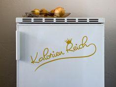 Perfektes Wandtattoo für alle die eine kleine Warnung am Kühlschrank brauchen. Sieht aber auch an der Wand in der Küche echt toll aus.