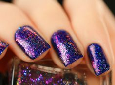 Metropolis (H) is a holographic version of the original Metropolis Ultra Chrome Flakie nail
