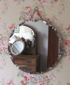 Pretty decorative retro circular bevelled mirror in good vintage condition and measuring approx 20 dia. A lovely addition to any vintage home Old Mirrors, Vintage Mirrors, Rose Cottage, Cottage Style, Beveled Mirror, Mirror Mirror, Frameless Mirror, Circular Mirror, Granny Chic