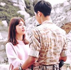 Song Hye-kyo and Song Joong-ki Heirs Korean Drama, Korean Drama Quotes, Korean Celebrities, Korean Actors, Descendants Of The Sun Wallpaper, Song Joon Ki, Sun Song, Descendents Of The Sun, Taekook