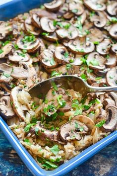 One-pot, Oven Baked Garlic Mushroom Rice. A simple, comforting, no frills kind of meal that you are going to be wanting to make again and again! It also happens to be oil-free & gluten-free. via use cauliflower rice for vegan keto Vegan Dinner Recipes, Healthy Recipes, Whole Food Recipes, Cooking Recipes, Delicious Recipes, Cheap Recipes, Dinner Healthy, Vegetarian Recipes With Mushrooms, Meals With Mushrooms