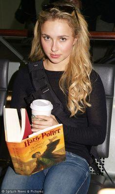 Hayden Panettiere reading Harry Potter #celebrity