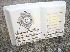 Unique Vintage 1970's Masonic Serenity Prayer Ceramic Pen Holder Vase Tchotchke. $3.99