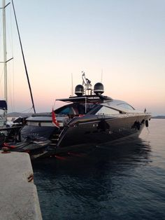 Sunseeker Yatchs #Black beauty!