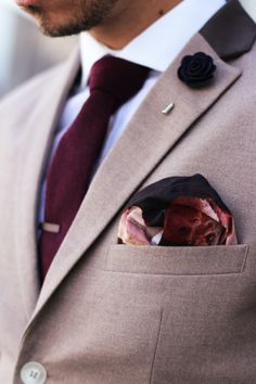 Mens Fashion: brown blazer with contrast collar, white shirt, burgundy tie, burgundy tie clip, navy lapel flower, Paul Smith Pocket square,